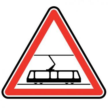 Panneau routier - A9 traversée de voies de tramway