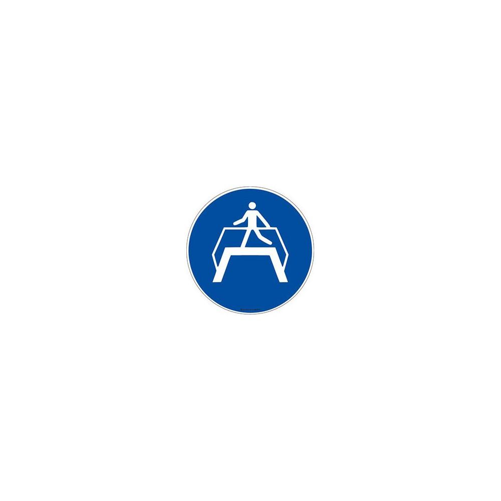 Panneau Obligation utiliser la passerelle ISO 7010 M023