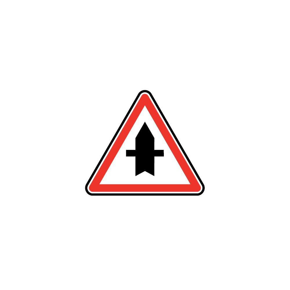 Panneau AB2 intersection avec une route dont les usagers doivent céder le passage