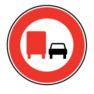 Panneau Interdiction de dépasser pour véhicules de plus de 3