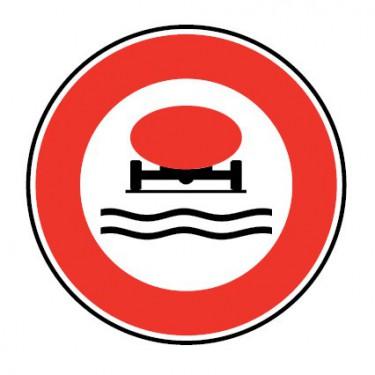 Panneau Accès interdit aux véhicules transportant des marchandises polluant les eaux - B18b