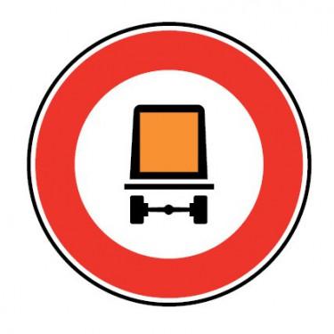 Panneau routier-type B interdiction  - B18c accès interdit aux véhicules transportant des marchandises dangereuses
