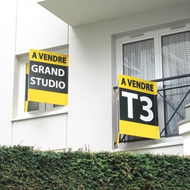 Panneau immobilier en V