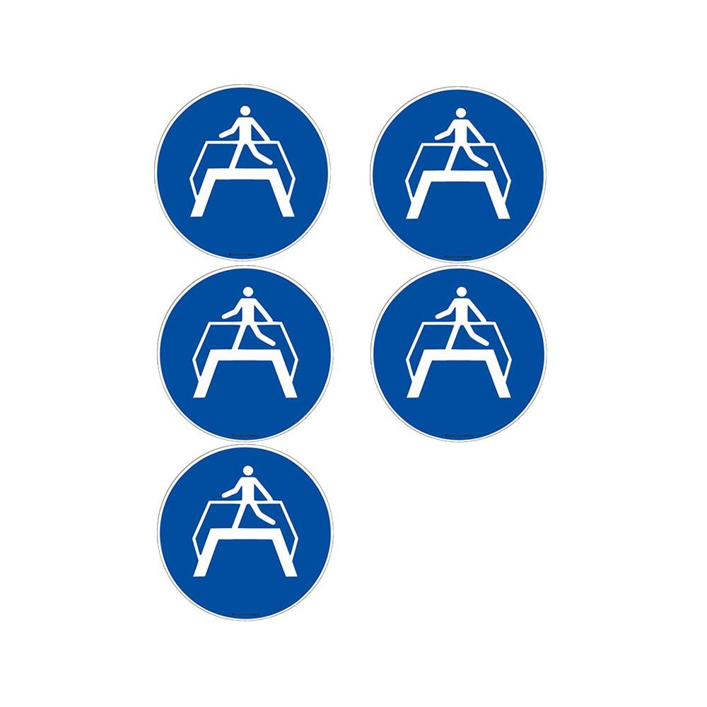 Autocollants Obligation utiliser la passerelle ISO 7010 M023 - Lot de 5